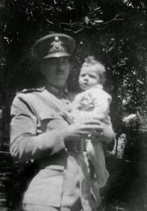 Figura 1- Meu pai e eu em Pirassununga