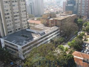 Figura 5- Vista aérea do PS do HSP e do prédio do HSP à esquerda.