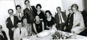 Figura 10- Festa de formatura em minha casa com familiares e colegas de turma.