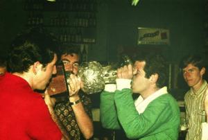 Figura 24- Celebração da vitória da INTERMED de Botucatu 1969.