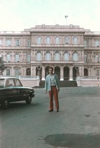 Figura 2- Imagem ao fundo da tradicional Casa Rosada, sede do Governo da Argentina.