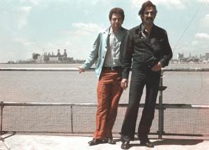 Figura 3- Prof. Jamal e eu à beira o rio da Prata, famoso local turístico portenho.