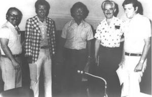Figura 3- Simpósio em Belo Horizonte, no início de 1975, como parte da divulgação da criação da nossa Sociedade. Da direita para a esquerda Toccalino, Martins Campos, Francisco Penna, eu e um colega nefrologista José Silvério.