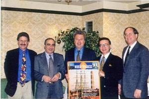 Figura 6- Comissão organizadora do I Congresso Mundial reunida em Denver, em outubro de 1999. Da esquerda para a direita, Ron Sokol (EUA), Samy Cadranel (Bélgica), eu, Yushiro Yamashiro (Japão) e Harland Winter (EUA).