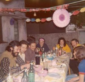 Figura 12- Festa da minha despedida do Policlínico Alejandro Posadas realizada na casa da enfermeira Anita, em dezembro de 1973.