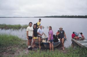 Figura 20- Grupo partindo para visita a aldeias indígenas em 1990.