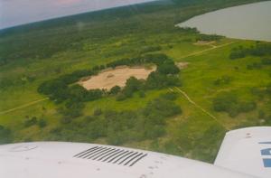 Figura 32- Vista aérea da aldeia Kamaiurá e a lagoa do Ipavu.