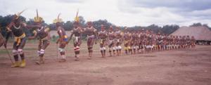 Figura 11- Festa tribal em que se pode observar o excelente estado físico dos índios.
