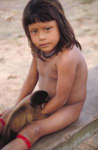 Figura 22- Aspectos físicos das crianças índias estudadas, denotando um nítido padrão de eutrofia em diferentes idades.