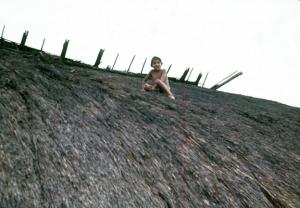 Figura 25- Crianças em suas mais variadas formas de diversão.
