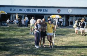 Figura 15- Fábia eu e Uly em Copenhage, Dinamarca em 1989, durante uma excursão de um time de adolescentes do Clube Atlético Paulistano de cuja delegação eu fui chefe e treinador.