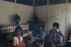 Figura 4- Jamal ao centro, Elisabete Kawakami recém incorporada ao grupo e eu nos primórdios da nossa Disciplina.