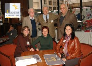 Figura 23- Em pé da esquerda para a direita: José Luis Cervetto, eu e Jorge Ortiz. Sentadas: María Tocca, Mirta Cicca e Margarita Ramonet.