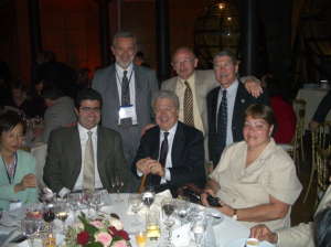 Figura 29- Participação no jantar de confraternização do II World Congress of Pediatric Gastroenterology, Hepatology and Nutrition, Paris, 2004.