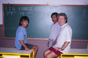 Figura 8- Encontro com habitantes da aldeia de Angra dos Reis na sala de aula, aonde são ensinados português e guarani.