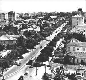 Figura 20- Avenida Paulista na década de 1950. Pode-se observar o bonde da linha Avenida 3.