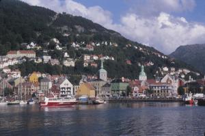 Figura 8- Bergen, que mais se parece a um presépio, está situada à beira de um braço do mar do Norte.