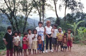 Figura 24- Nossa experiência com os Guaranis no litoral de São Paulo, em 1997.