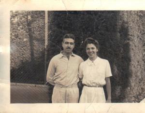 Figura 14: Meus pais quando jovens no Esporte Clube Banespa onde se conheceram.