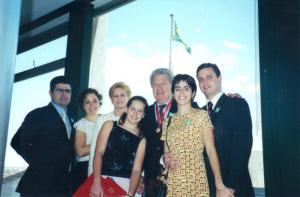 Figura 44: Fábia e meus filhos Uly, Juliana, Marina e Walkyria no dia da premiação. Meu genro André também estava presente.