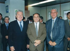 Figura 50: Registro da transmissão de posse do reitor Hélio Egydio Nogueira juntamente com o ministro da Educação Cristóvão Buarque