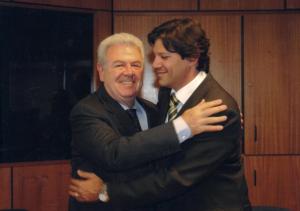 Figura 74: O cumprimento do ministro da Educação Fernando Haddad com quem sempre mantive uma relação extremamente harmoniosa e cooperativa.